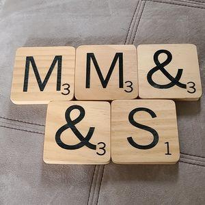 5 Scrabble Magnetic Tiles (M,M,&,&,S)